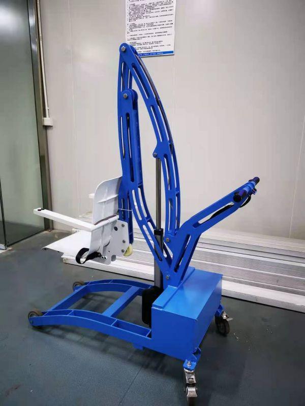 Elektrické koloběžky, elektrické tříkolky Mobilní bazénový zvedák pojízdný Elektrické koloběžky, elektrické tříkolky