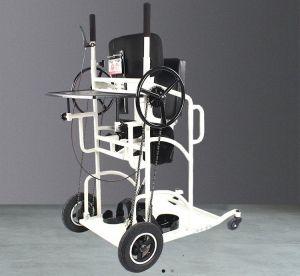 Mechanický pojízdný vertikalizací stojan pro postižené osoby